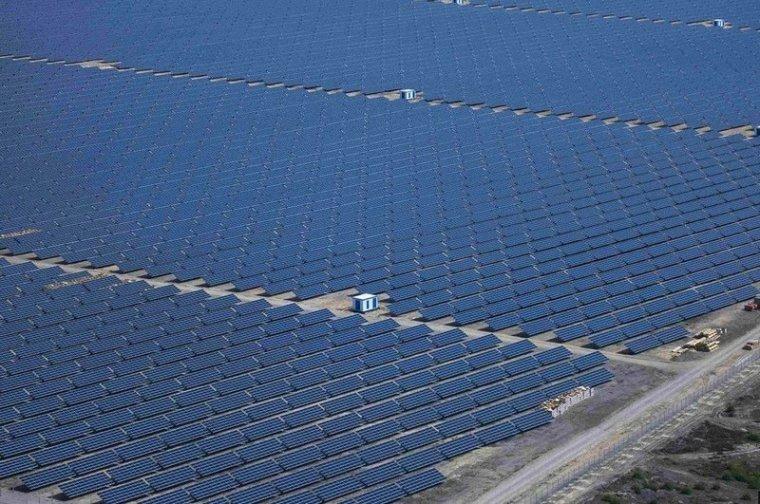 В Америке открыли самую крупную в мире солнечную электростанцию