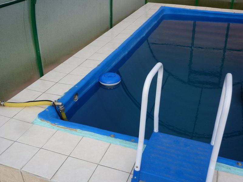бассейн нагрев солнцем