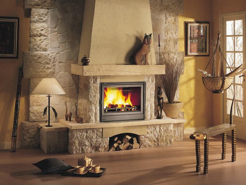 Отопление дома камином.