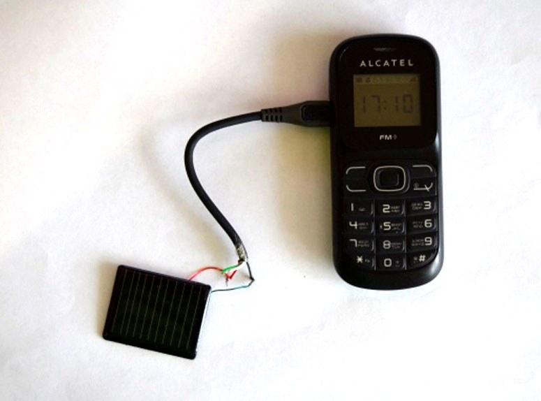 Вот как выглядит сборка зарядки для телефона на солнечной батарее