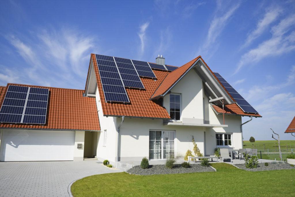 Автономный дом на солнечных батареях